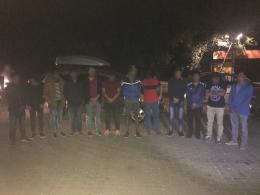 На Буковині неподалік кордону затримано три автомобілі з 12 громадянами Бангладеш