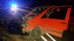 На Буковині зіткнулися два мікроавтобуси, 10 людей отримали травми (фото)