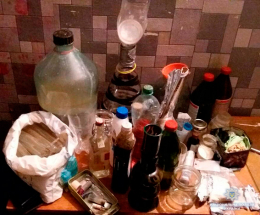 На Буковині поліція викрила діяльність чотирьох наркопритонів і однієї нарколабораторії (фото+відео)