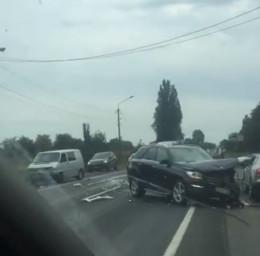 У Мамаївцях трапилася жахлива ДТП: зіткнулися одразу кілька машин (відео)