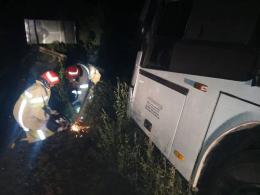 На Буковині вночі зійшов з траси рейсовий автобус «Москва-Чернівці»  (фото)