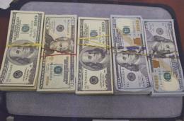 У Чернівцях літню жінку обдурили на 20 тисяч доларів США
