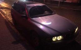 У Чернівцях п'яний водій на BMW врізався у автівку і втік з місця ДТП