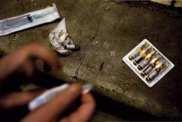 У Чернівцях у перехожого знайшли ампули з наркотиками