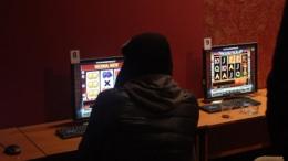 У Чернівцях злочинець обікрав працівницю гральних автоматів, поки вона спала на робочому місці