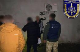 Офіцера військової частини на Буковині викрили у збуті боєприпасів і зброї