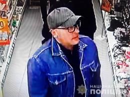 На Буковині поліція розшукує чоловіка, що підозрюється у крадіжках