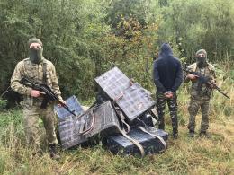 На Буковині в Красноїльську на контрабанді цигарок затримали 21-річного мешканця