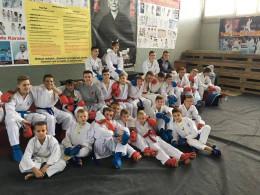 Чернівецькі каратисти здобули чимало перемог на міжнародному турнірі у Румунії (фото)