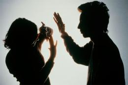 На Хотинщині виявили іноземця, який бив жінку та протермінував дозвіл на проживання