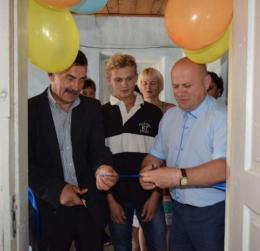 Двоє дітей на Буковині, які позбавлені батьківського піклування, отримали соціальне житло (фото)