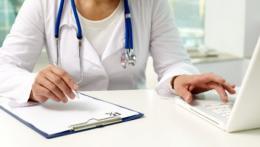 У Чернівцях для сімейних лікарів придбають захисні костюми