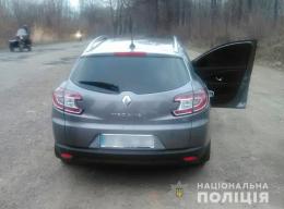 На Буковині водій «Renault» пропонував патрульним хабар