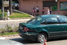 У Чернівцях на проспекті Незалежності зіткнулись три авто (фото)