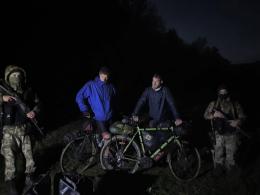 На Буковині затримали двох бельгійців, які намагались на велосипедах незаконно перетнути кордон з Румунією