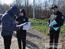 Поліція розпочала відпрацювання Чернівців: викрили два «автомобіля-двійника» з підробленими документами (фото+відео)