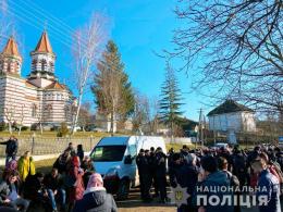 В селі на Буковині знову конфлікт між релігійними громадами