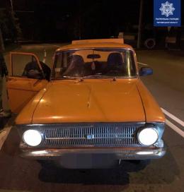 У Чернівцях патрульні знайшли автомобіль, який перебував в угоні (фото)