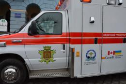 Чернівці отримали автомобіль швидкої медичної допомоги з Канади (фото)