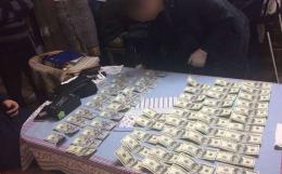 Адвоката Ради адвокатів Буковини, якого піймали на хабарі, взяли під варту