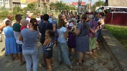 У Чернівцях жителі Садгори влаштували пікет через поганий стан дороги (фото)