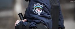 На Буковині поліцейського підозрюють у побитті затриманого