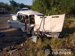 """На Буковині зіткнулись """"Volkswagen"""" та """"ВАЗ"""", є постраждалі (фото)"""