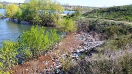 На Буковині береги Дністра всіяні сміттям