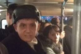 Чернівчани в маршрутці №11 упіймали кишенькового крадія, зловмисник зміг втекти (фото)