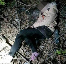 У Чернівцях у лісопосадці патрульні знайшли жінку з переохолодженням: її забрала швидка (фото)