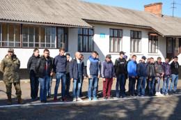 На Буковині відправили першу цієї осені партію юнаків на строкову службу (фото)