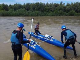 Рятувальники у Новоселиці змагалися у вправності роботи на воді (фото)