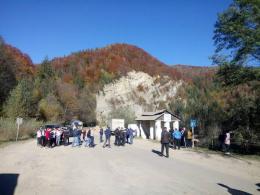 Дорогу з Чернівців до Путили у селі Великий Рожин знову перекрили