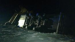 У Чернівецькій області вантажівка на ожеледиці з'їхала в кювет