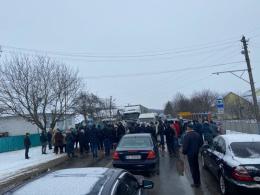 """На Буковині тривають """"тарифні протести"""": знову перекрили дорогу на Снятин"""
