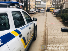 У Чернівцях чоловік розгулював спальним районом із гранатою в руці (фото+відео)