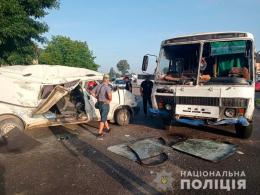 На Буковині затримали винуватця ДТП, який п'яним в'їхав у маршрутку