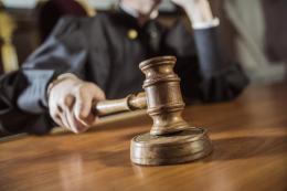 """На Буковині засудили неповнолітнього """"закладчика"""", який збував наркотики"""