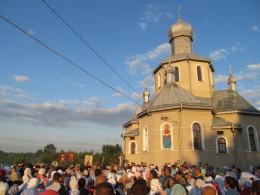 З Чернівців розпочалася наймасштабніша на Буковині хресна хода