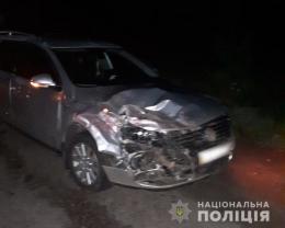 """На Буковині зіштовхнулися """"Volkswagen"""" та """"Mazda"""", постраждав юнак"""