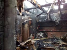 На Буковині у масштабній пожежі згоріла лазня і господарська будівля