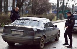 На Буковині поліція затримала п'яного водія BMW, який неадекватно поводився на дорозі