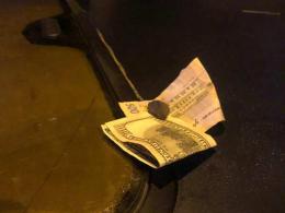 У Чернівцях оштрафували чоловіка, який хотів підкупити поліцію через «п'яне» водіння авто