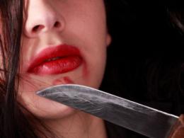 До 7 років позбавлення волі засуджено чернівчанку, яка зарізала свого 49-річного співмешканця
