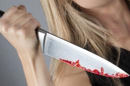 У Чернівцях жінка захищаючи себе від нападу зарізала родича ножем (відео)