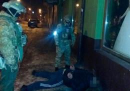 Поліція у Чернівцях на гарячому затримала крадіїв престижних авто