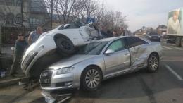 На автотрасі біля Чернівців сталася потрійна ДТП (фото)