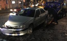 У Чернівцях затримали п'яного водія без прав, який вчинив ДТП (фото)