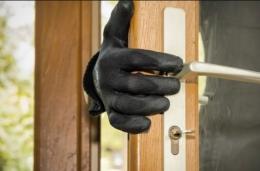 На Буковині засудили чоловіка, який пограбував квартиру знайомого