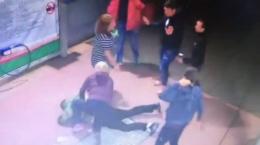 Двоє буковинських поліцейських напідпитку жорстоко побили чоловіка (відео)
